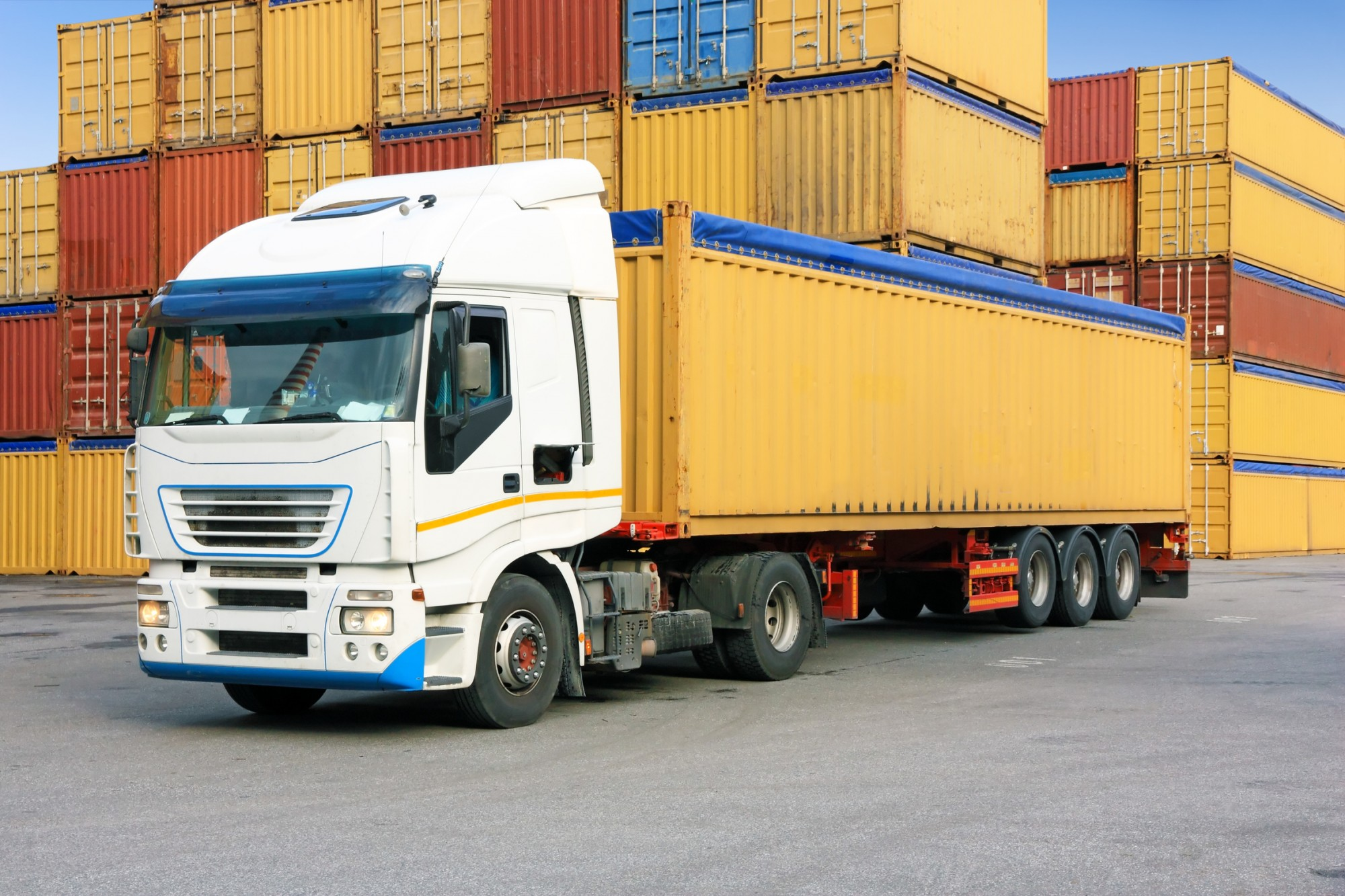 Transport container one way